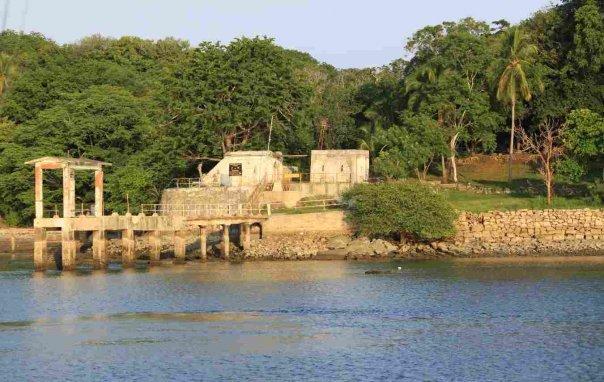 muelle-isla-san-lucas-costa-rica