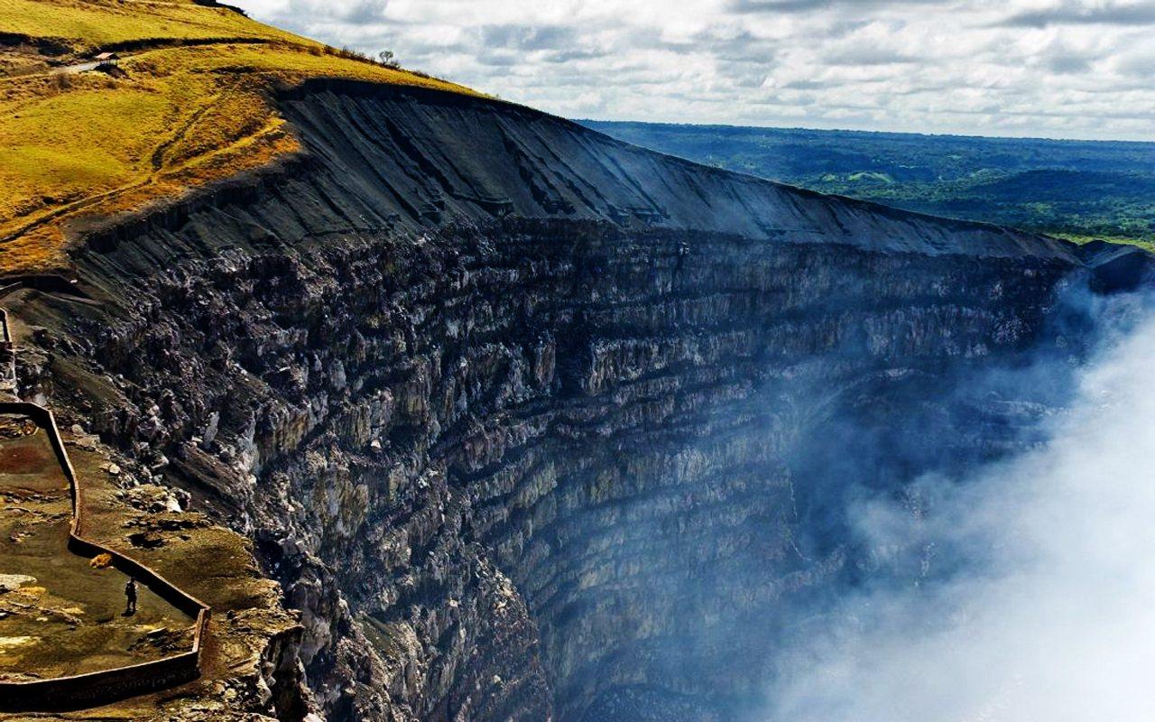 Crater-del-Volcan-Masaya-Nicaragua